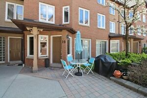 FABULOUS STARTER HOME IN THORNHILL!!!!