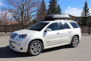 2011 GMC Acadia Denali **New engine in 2014 only has 45,000km**