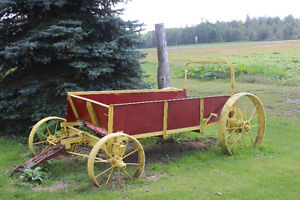Oliver and varied of old Manure spreaders (decorations) Cornwall Ontario image 2