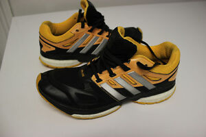 Women's Adidas Response Boost Techfit Shoes - Size 7