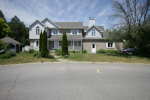 Large 5 BDR Home in Centerpointe - $2,200/month