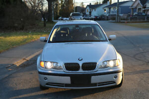 2003 BMW 3-Series 330xi AWD Sedan