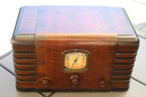 Vintage Sparton Radio Model 255A