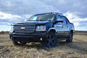 2007 Chevrolet Avalanche LTZ - Fully Loaded