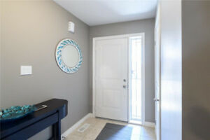 Beautiful Three Bedroom Townhouse Stoney Creek
