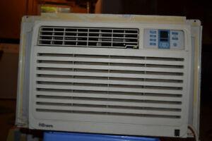 Danby 8000 BTU Air Conditioner DAC8075EE