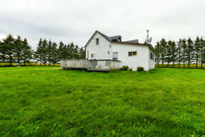 House&Land For Sale Located in Grey County 3Bed 2 Bath, 98 Acres