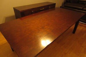 Dining Table for 8 persons 84''X42'' real wood.514-996-9207