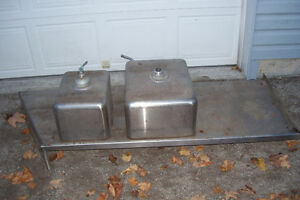 INDUSTRIAL DOUBLE STAINLESS SINK WITH LARGE COUNTER AREA Stratford Kitchener Area image 4