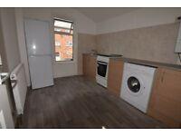 2 bedroom flat in Park Avenue, East Ham, E62