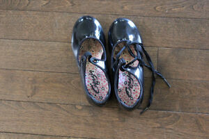 Black Tap Shoes Size 11W