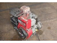 "Briggs and Stratton 5 hp IC engine with induction box 3/4"" shaft"