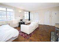 Studio flat in Whitechapel High Street, Aldgate East, E1