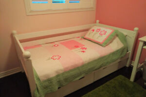 CHILDS BEDROOM SET----Everything you need!!!!!!