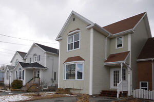 Lovingly maintained 3BDR home in Cole Harbour!