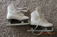 Size 1 Like New Girls Skates