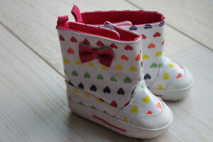 Baby/toddler shoes & boots