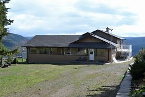 3 bedroom home with spectacular mountain views