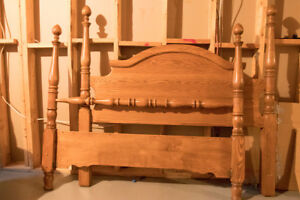 4 Poster Oak Queen Size Bed Headboard, Footboard and Frame
