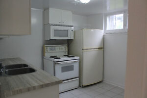 **Basement Apt @Sheppard Ave/Allen Rd: Available Nov 1 or Oct 1