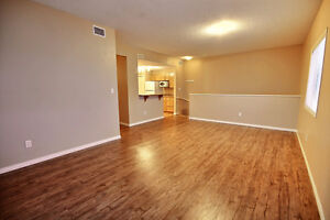 Beautiful 2 Bdrm Condo with New Flooring & Paint Edmonton Edmonton Area image 6