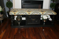 Beautiful Vintage style bench / Coffee table ottoman