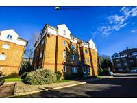 *Newly Refurbished Two Bedroom Ground Floor Apartment in Gated Development Close to Nunhead Station