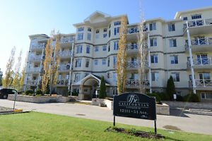 2 bed 2 Bath TOP FLOOR UNIT at The Californian Lansdowne!!