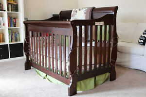 toys r us convertible solid/engineered wood baby crib