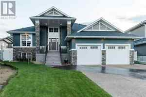 Executive Home in Lacombe