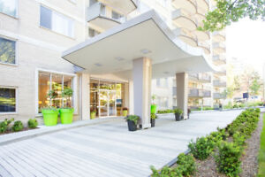 Furnished Spacious 2BD/2BA Downtown (Luna, Peel & Dr. Penfield)