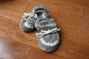 Padraig toddler slipper - Approx age 2