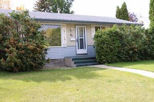 House for rent-4 Bedroom,2 Washrooms-Huge Yard!