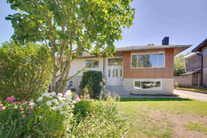 LARGE FAMILY HOME FOR SALE in North Burnaby