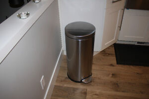 Simple Human Stainless Steel Garbage Can Soft Close Lid 30L
