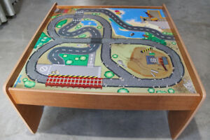 Train/car wooden play table -good condition