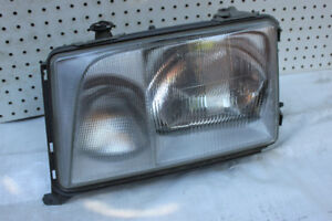 Mercedes w124  1994 ports, hood, coffre, head lights, interieur