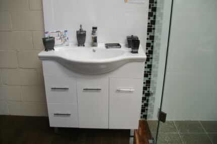 New 900mm Vanity Semi Recessed China Top 2 pac, 2yr wty Soft clos Woy Woy Gosford Area Preview