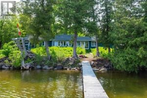 4 bedroom cottage in lake Scugog