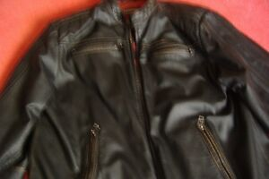 MEN'S GENUINE LEATHER MOTORCYCLE JACKET/L