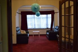 Newly Furnished 1 double room near Chadwell Heath Station : 550pcm