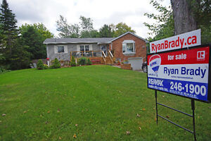4 Acres hobby farm located just outside of Strathroy