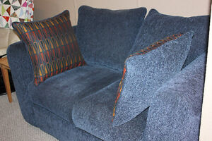 Matching couch and loveseat Kitchener / Waterloo Kitchener Area image 5