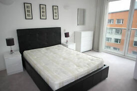 **STUNNING 5 new rooms CANARY WHARF Move in TODAY !!**