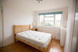 Room available in trendy part of London available from 4th of December