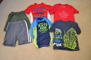 Boys Clothing Lot Size 4 / XS (4/5) - 19 items