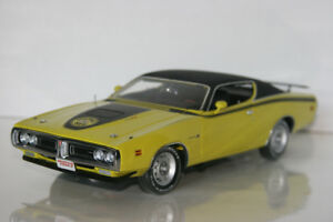 Ertl Authentics 1971 Superbee  Diecast Die Cast Car 1/18