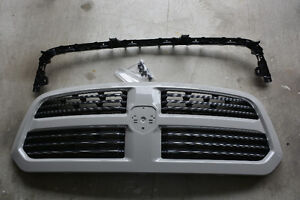 2015-2017 Ram 1500 Grille