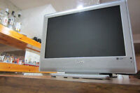 LCD TV SANYO,19''S-VIDEO,COMPONENTS AUDIO/VIDEO.Tel.514-996-9
