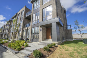 Bathurst and Rutherford Vaughan NEW Senator Townhome END UNIT